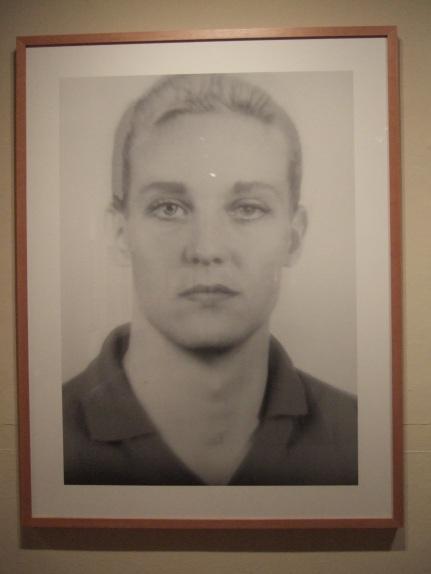 Thomas Ruff - Anderes Portrat 4B (1994-95)