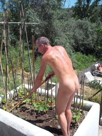 Naked Gardening 01