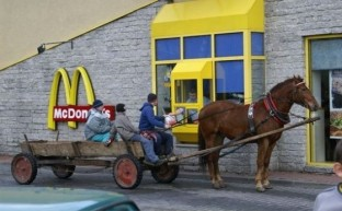01-best-drive-thru-customers-youll-see-today-560x348