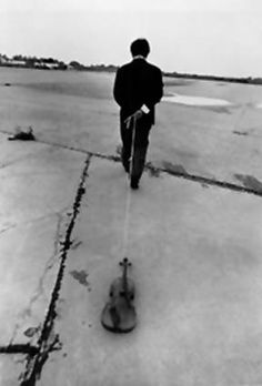 Nam June Paik (Korea), %22Violin to be dragged on the street%22, New York, US, 1975