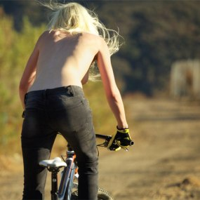 topless-cyclist